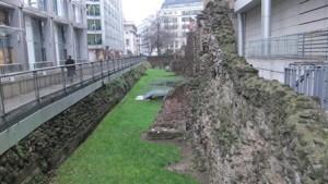 london wall 1